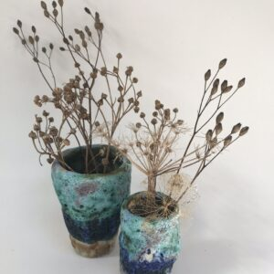 Set of two small vases.